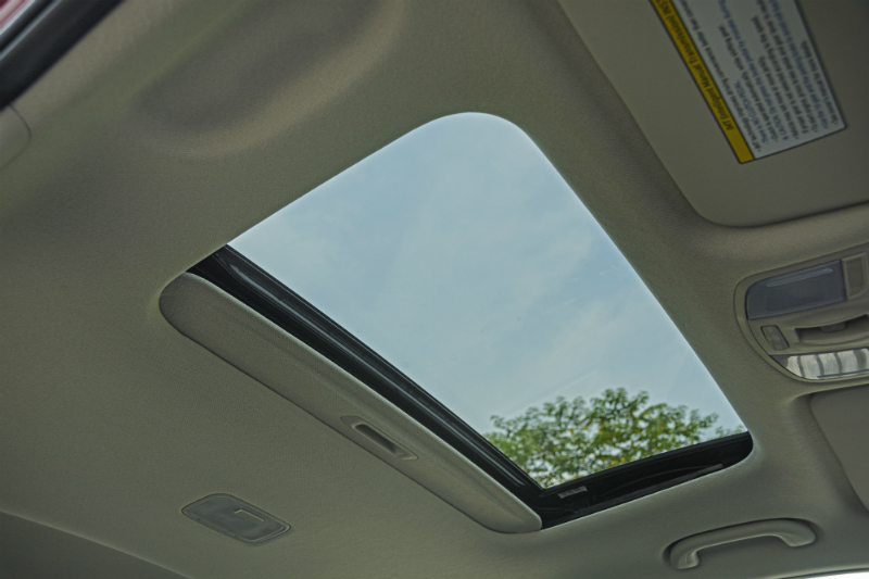 Kia Sonet Sunroof - Car Magazine India