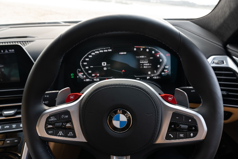 BMW M8 Drive View - car update Online